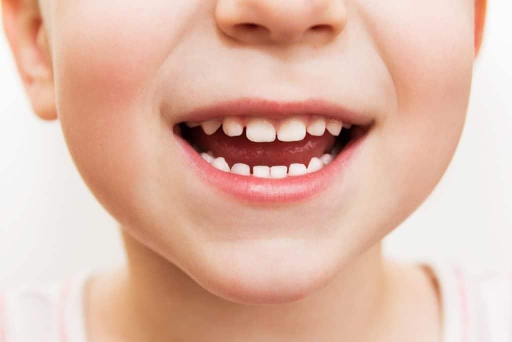 enfant-grince-dents