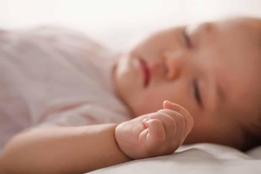 apnee-sommeil-bebe-traitement