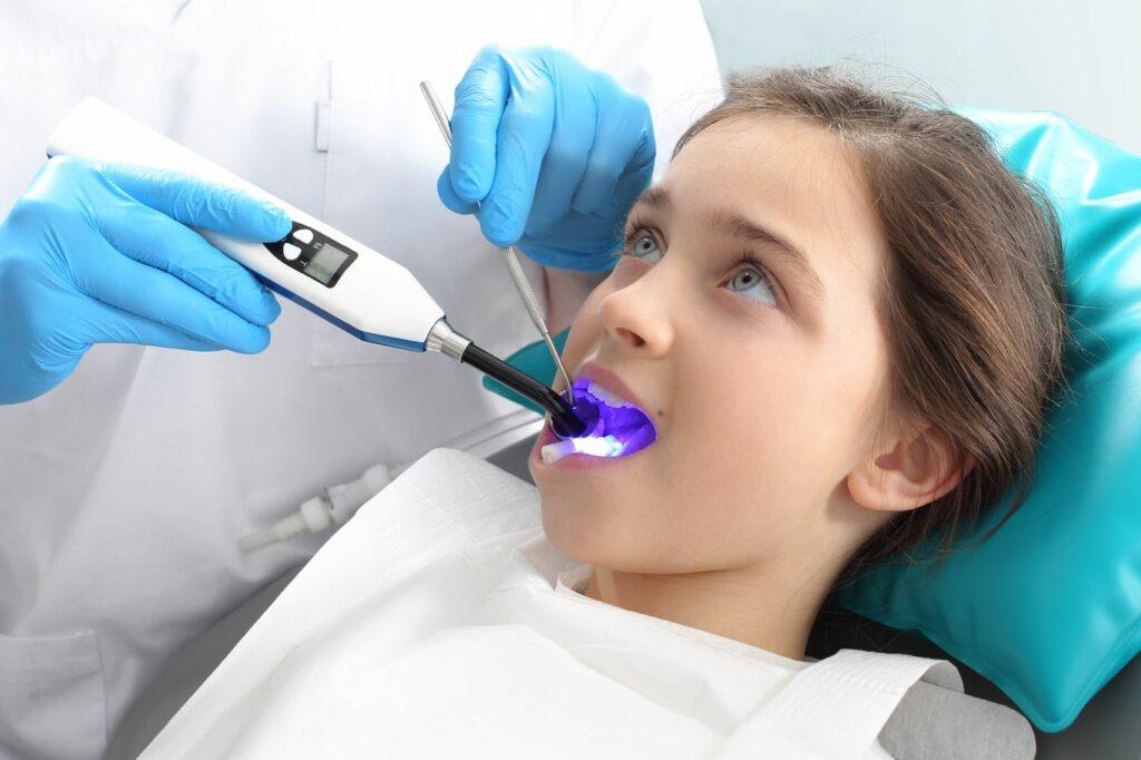 Éviter la fluorose sur les dents de lait