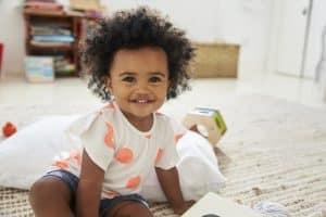 Inculquer une bonne hygiène dentaire à bébé est important